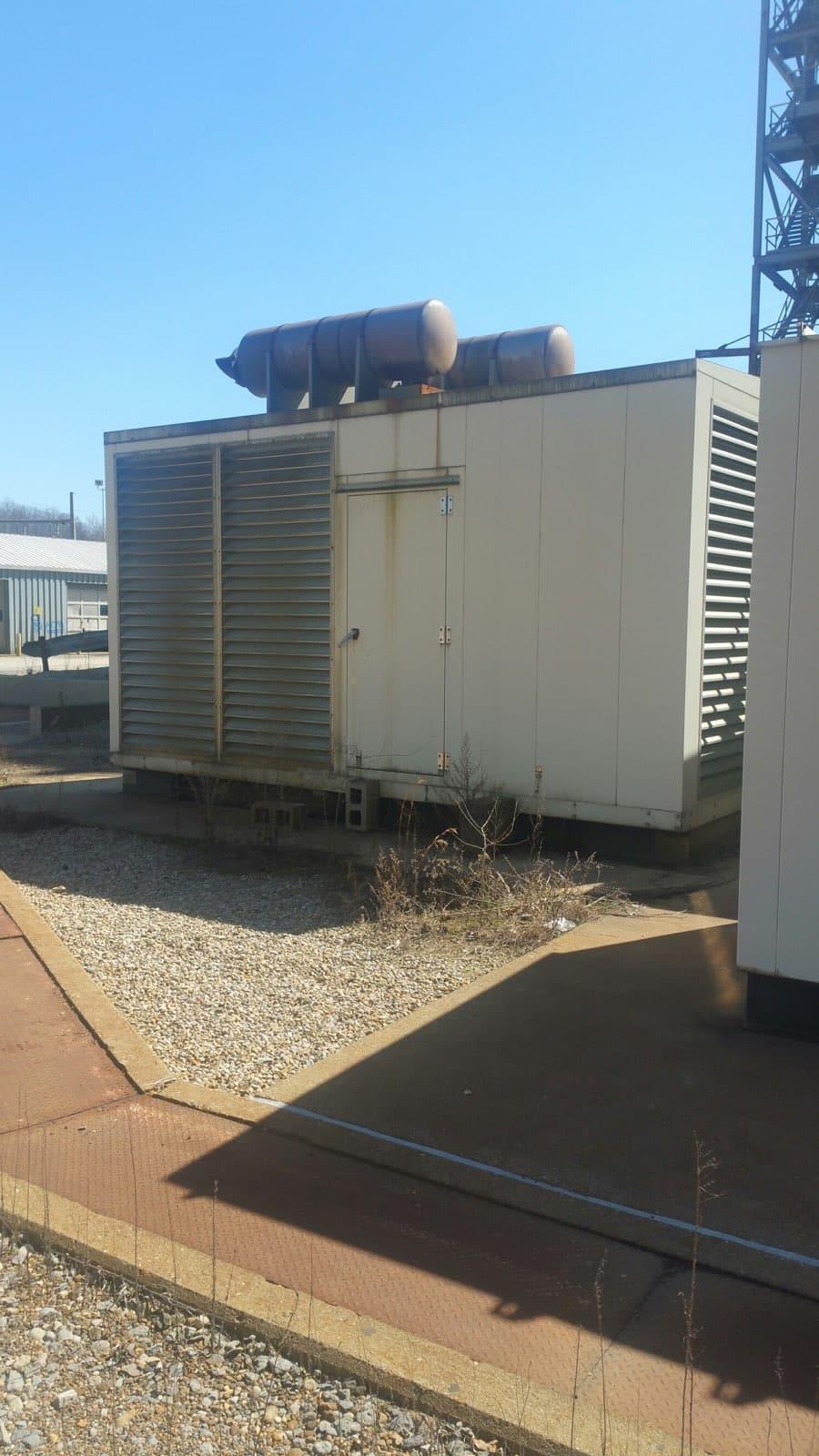 Used 1000 kW Detroit Diesel 2300V Diesel Generator